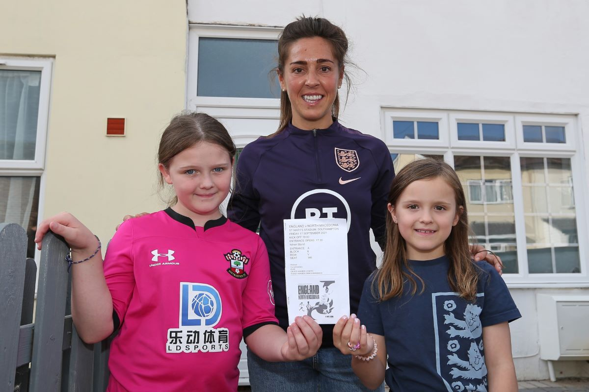 Fara Williams delivers free Lionesses match tickets