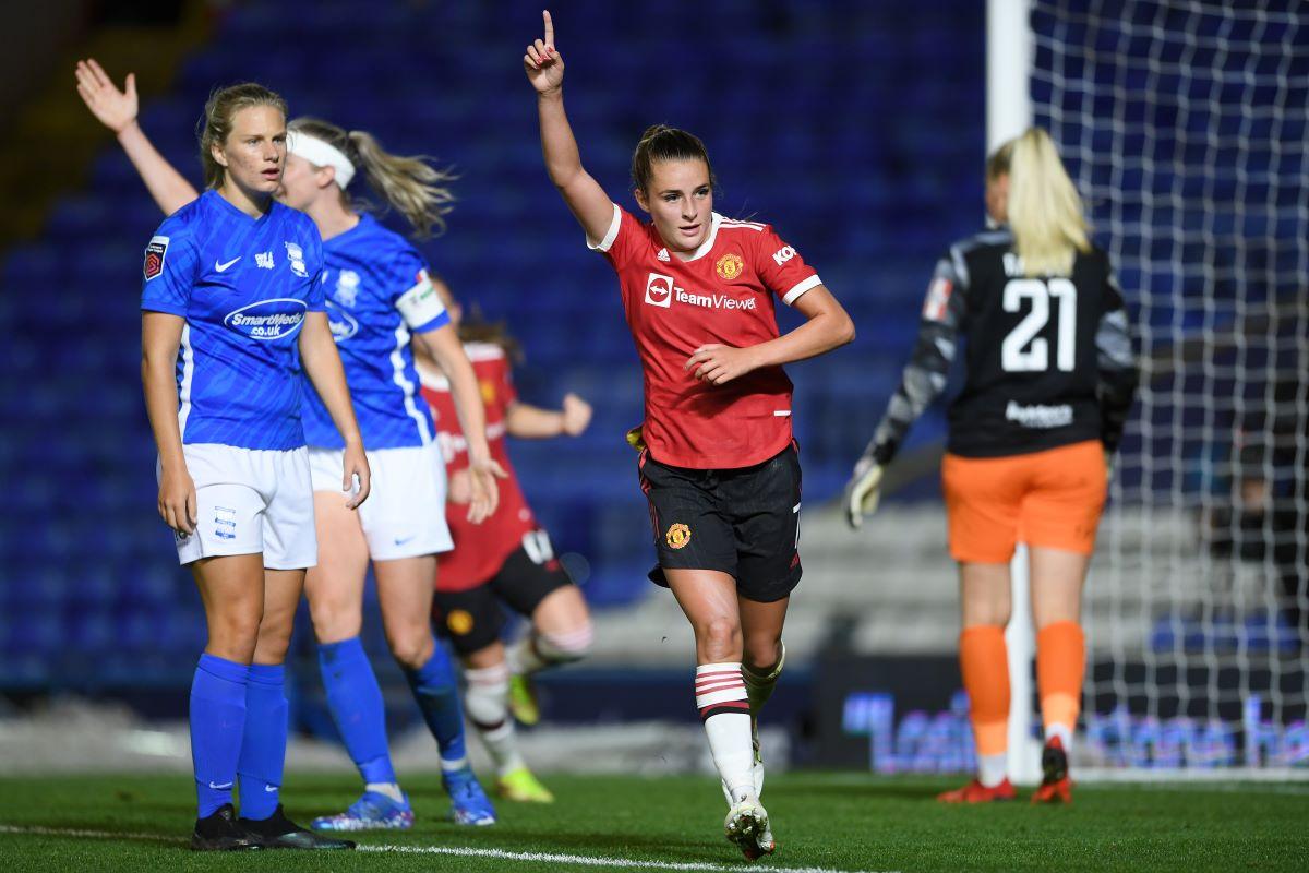 Ela Toone scores Man United's second